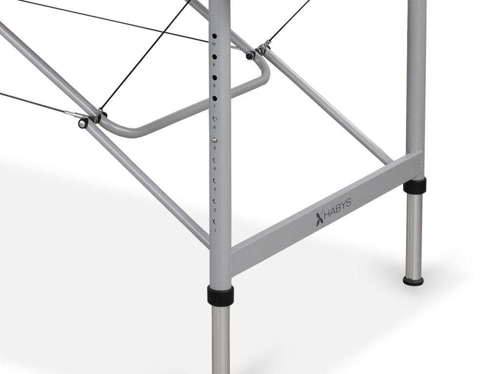 Ultraľahký a odolný rám z hliníka. Moderná štruktúra nôh kruhového prierezu so systémom Fast Lock 5-ročná záruka na rám.