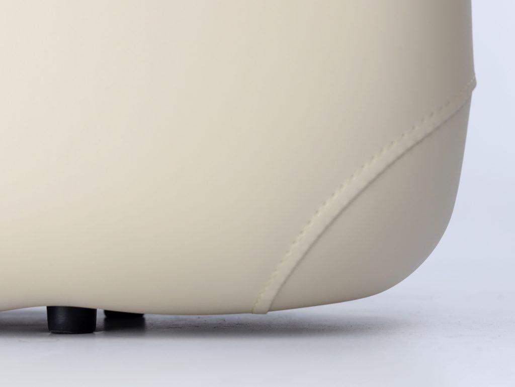 Pevné, gumené transportné nožičky chrániace čalúnenie proti oderu