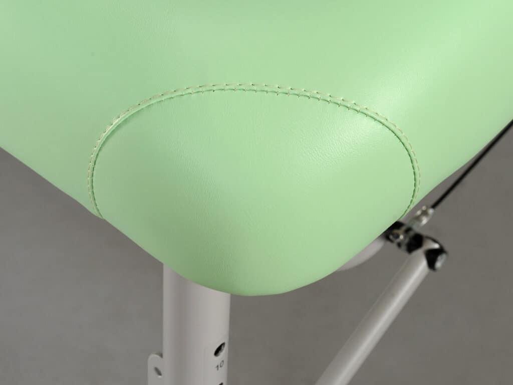 Esteticky zaoblené rohy stola