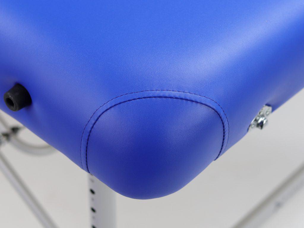 Ergonomicky zaoblené rohy dosky stola