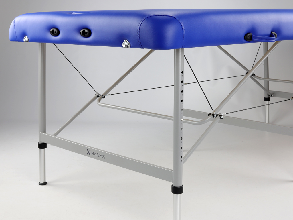Odolná konštrukcia s hliníkovými prvkami, ideálna na použitie v kancelárii aj v teréne